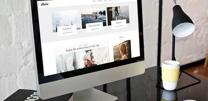 Free feminine minimal personal WordPress blog theme